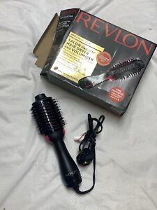 Revlon PRO Collection Salon One Step Hair Dryer and Volumizer Brush Pink/Black