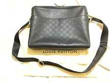 Authentic Louis Vuitton Damier Infini Calypso MM Messenger Shoulder Bag Onyx