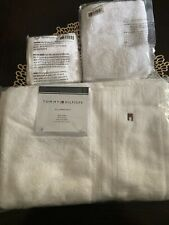 NWT Tommy Hilfiger Bath Towel set New With Tag Bath, Hand, And Wash Cloth White