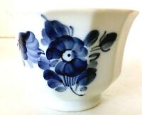"""Royal Copenhagen Faceted Bowl White w/ Blue Flowers 10/8501A 4.25"""" diam 3""""H EUC"""