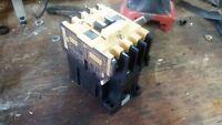 Allen Bradley 100-A09ND3 Series B Contactor Relay 660V 22A - 110/120V Coil