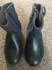 Girls Clark's Boots/size7