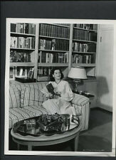 ROSALIND RUSSELL AT HOME IN HER LIBRARY - 1947 PUBLICITY PHOTO BY COBURN VINTAGE