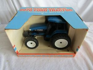 LIBERTY TRACTOR FARM 1/16 SCALE FORD 8970 NEW HOLLAND BLUE WIDE FRONT IN BOX