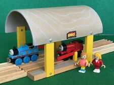 BRIO TRANSPORTATION STATION for THOMAS & Friends Wooden Railway TRAIN ENGINE set
