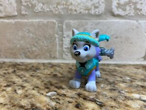 Paw Patrol Action Pack Pup Everest Figure Spin Master
