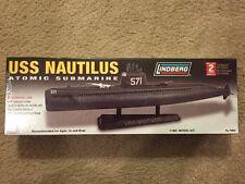 Lindberg USS Nautilus Atomic Submarine Model Kit No. 70884 1/300