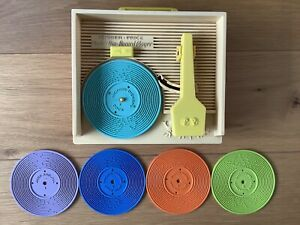 Vintage FISHER-PRICE music box-record player original 5 Records, 10 Songs
