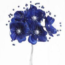 Bouquet de fleurs en tissu bleu marine et perles