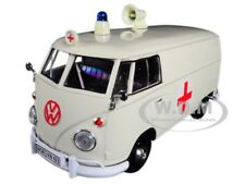 VOLKSWAGEN TYPE 2 (T1) AMBULANCE CREAM 1/24 DIECAST CAR MODEL BY MOTORMAX 79565