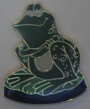New Sitting Green Frog Lapel Pin Bullfrog Toad Tie Tack Swamp Animal Amphibian