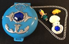 Polly Pocket Mini 💛 1992 Jeweled Sea Diamant Dose Blau Schatz Figur Otter (1)