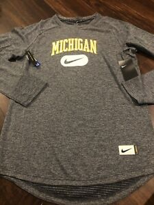 New Nike Mens Michigan Wolverines Long sleeve Shirt Size Medium