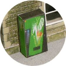 OO SCALE GAUGE 7UP COLD DRINK VENDING MACHINE FOR HORNBY MODEL RAILWAY STATION