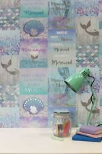Arthouse Mermazing Azul Hielo con Purpurina Sirena Collage Conchas Papel Pintado