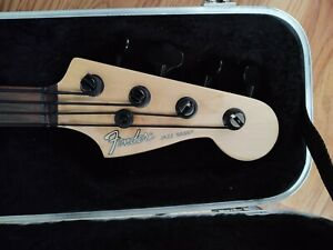 fretless Jazz bass w/ active EMG pickups