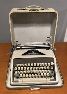 Olympia Model SM7 Manual Typewriter Senatorial Robot Typeface 1961 Vtg W/ Case