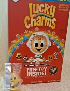 General Mills Halloween collection Cereal Squad character Toy (Buzz Bat)
