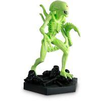 Eaglemoss Alien Statue (Glow In The Dark) Grid Xenomorph Predator