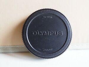 Genuine Olympus LR-1 rear lens cap for E system lenses.