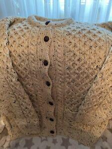 Aran Crafts Strickjacke Beige Größe L ungetragen Unisex Breite 63 cm