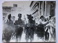 Foto Farabola - Resistenza - 8 maggio 1945 Sfilata dei partigiani a Milano