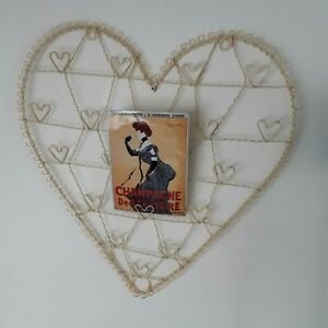 Cream wire heart shaped notice board/photo display/message board wall hanging