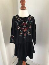 Zara Kleid 116 Schwarz 6 Jahre Boho Kleidchen Hängerchen Ethno Stickerei Winter