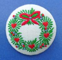 Hallmark PIN Christmas Vintage STITCHERY WREATH Embroidered Holiday Brooch
