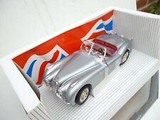 1:18 ERTL EUROPEAN CARS 1948 JAQUAR XK 120 IN SILVER GREY MINT BOXED TOP!!!