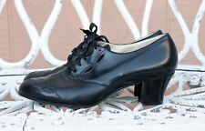 Vintage 1930s or 1940s Women's Black Oxford Shoes with cutout detail
