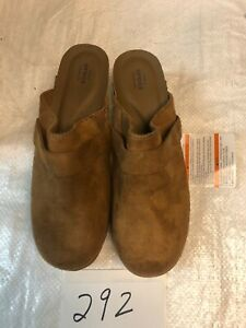 Crocs Sarah women's synth suede clogs hazelnut mules standard fit size 6M