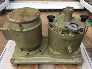 Balzers DUO 5.6 Vacuum Pump Nr. 10088. 5.5 cu.m / hr (91.6 lt / min) 220/380v AC