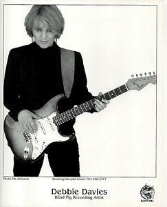 73820. Original Press Photo 8x10 Debbie Davies LA Blues Guitarist ca 2005