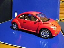 Modellino auto volkswagen new beetle 1998, Burago, scala 1:18 gold collection