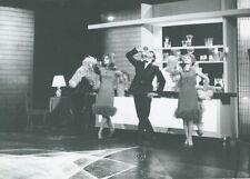 PETULA CLARK  DALIDA HELLO  PARIS 1964 PHOTO  ORIGINAL  ORTF TV