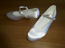WHITE SATIN BRIDESMAID/FLOWER GIRL SHOES LOW HEEL GIRLS/ADULT UK SIZE 7
