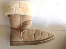 Ladies Tan Classic Tall Ugg Australia Sheepskin Boots size 8