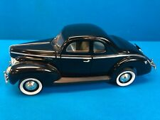 Universal Hobbies 1940 Ford Deluxe 1:18 Rare Collectible