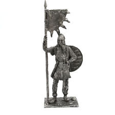 54mm tin soldier Viking with a banner, 9-10 century 1/32 Scale