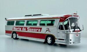 Iconic Replicas 1:43 1980 Dina Olimpico Coach: Norte de Sonora