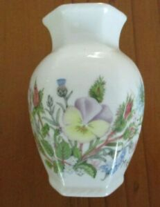 AYNSLEY Fine Bone China WILD TUDOR Vintage Bud Vase Gold gilt trim Floral