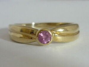 Stunning Certified Hot Pink Sapphire & 9K Gold Ring Size N 1/2