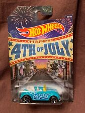 Hot Wheels 2013 Volkswagen Beetle Convertible Special Edition 4th Of July VW Bug
