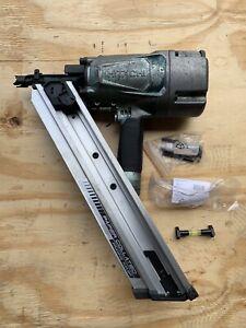 """Hitachi NR83AA2 3 1/4"""" Paper Collated Framing Nail Gun Nailer WORKING"""