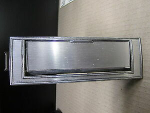 BUICK RIVIERA 79 1979 REAR ASHTRAY COMPARTMENT + LIGHTER PASSENGER
