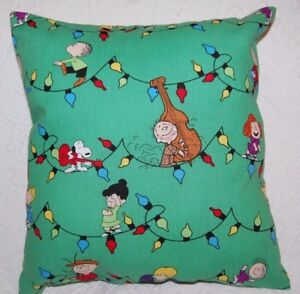 HANDMADE PEANUTS SNOOPY CHARLIE BROWN PEANUTS  HOLIDAY CHRISTMAS LIGHTS PILLOW