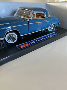 Mecedes Benz 220 SE 1958 No.3561 1/18 Scale Diecast Coupe As New