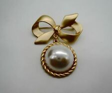 New Fashion Gold Bowknot Large Pearl Pendent Brooch