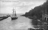 POSTCARD   CORNWALL    LOOE   Entrance  to   Harbour